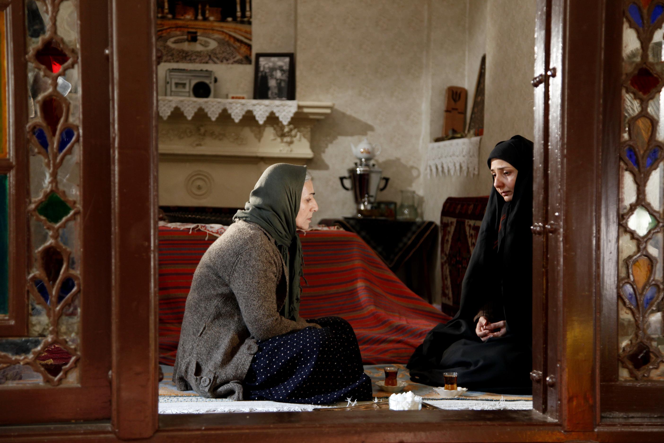 مریم بوبانی و بهار نوحیان در نمایی از یونس